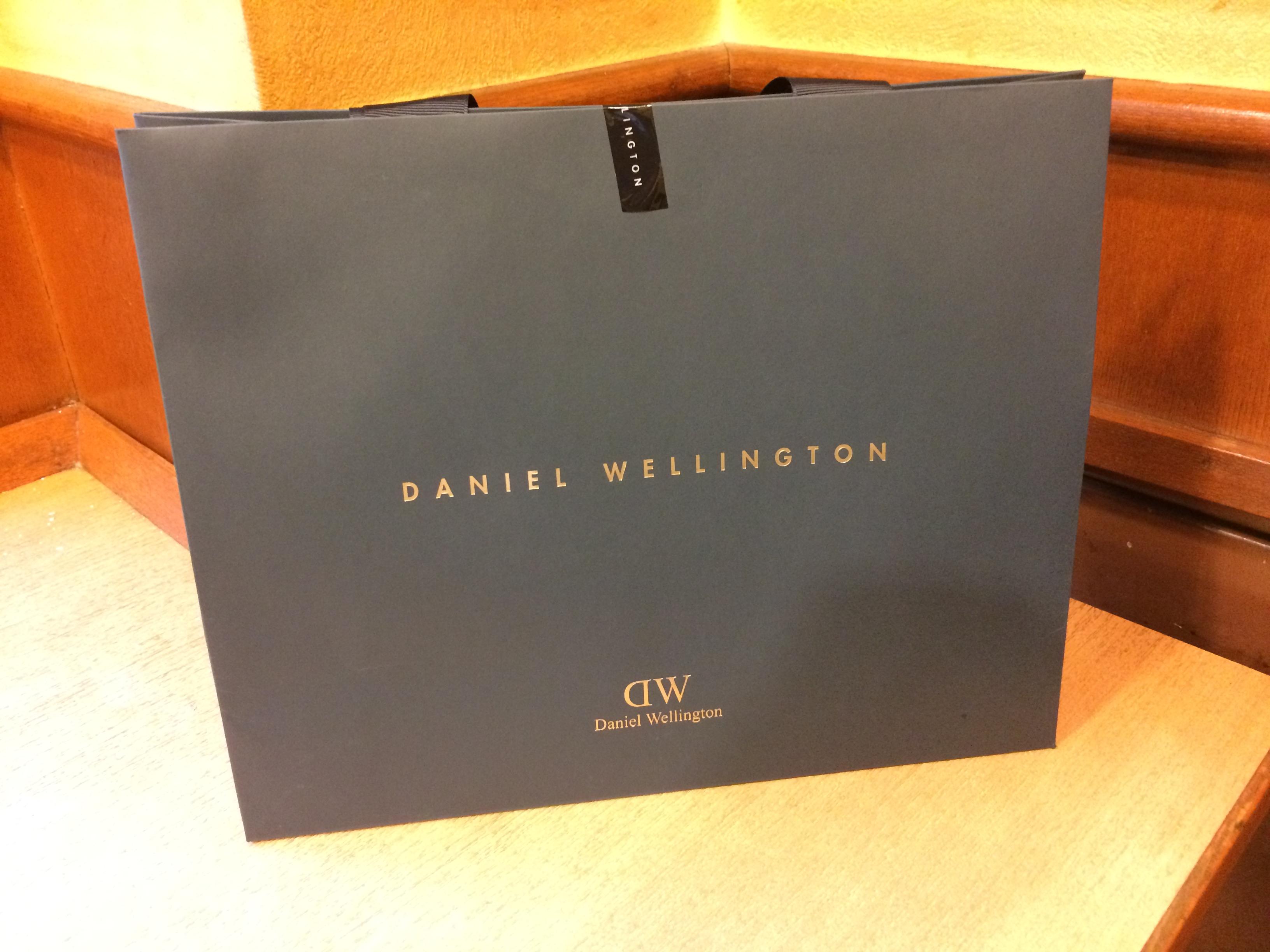 ダニエルウェリントン(Daniel Wellington)の時計は安価なネットショップで大丈夫?正規のお店で安心を買う?