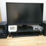 デスクスタンドを設置してキーボードを収納。思っていたよりずっと快適!!