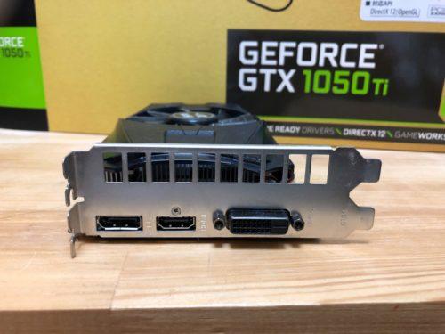 玄人志向のGEFORCE GTX 1050Ti搭載 グラフィックボード インターフェイスはディスプレイポートとHDMI、DVI-Dを搭載しています